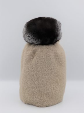 Moteriška kepurė su šinšilos kailiuku